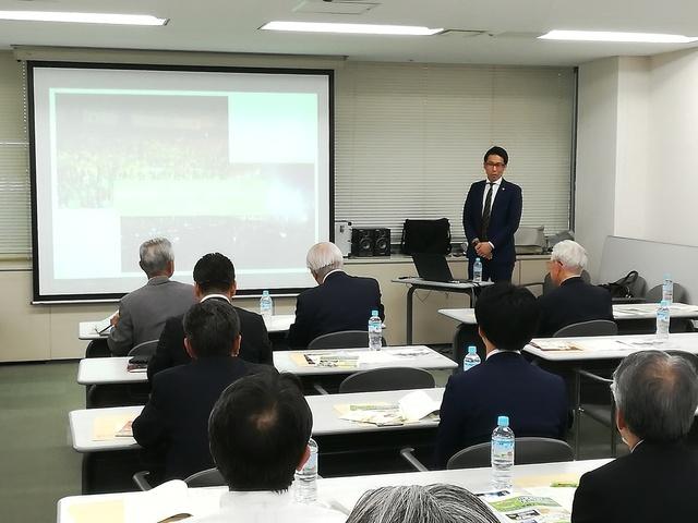 20190606総会等HP掲載写真3北海道に密着した取り組みを紹介する横田CEO_IMG_20190606_164419.jpg