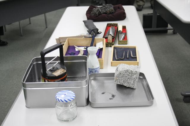 たたらの材料と製品.JPG
